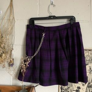 Hot Topic pleated plaid purple skirt with chain